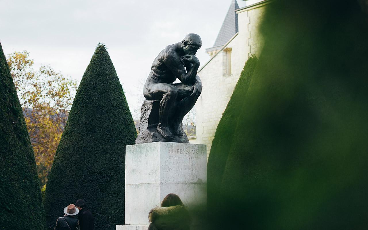 Der Denker Skulptur – Auguste Rodin