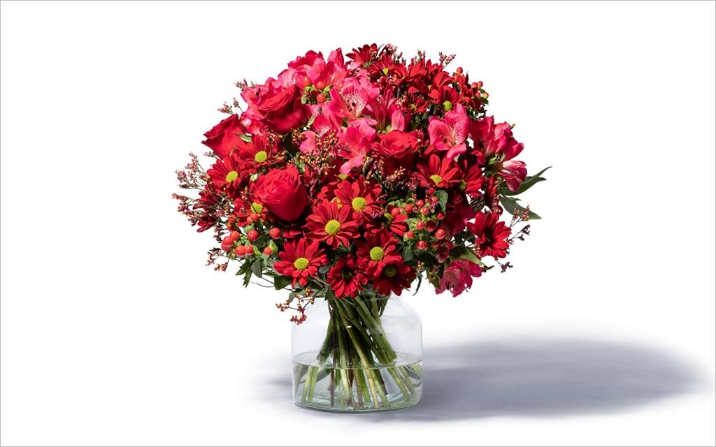 Moderne Blumensträuße – großer roter Blumenstrauß