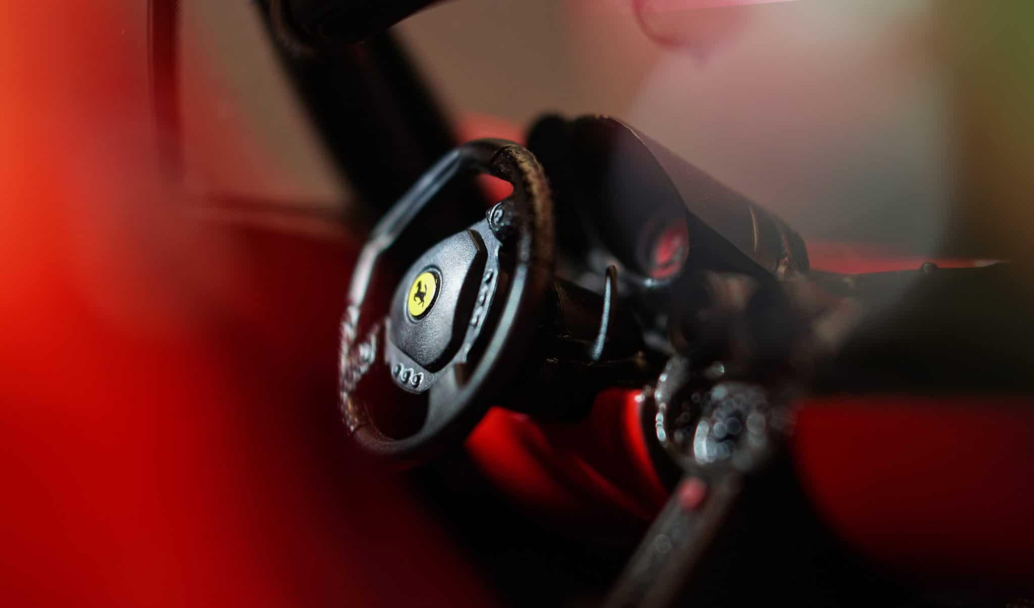 Ferrari Modellauto als Geschenk für Autofans
